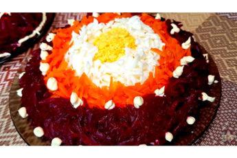 Нежный салат с тунцом и овощами