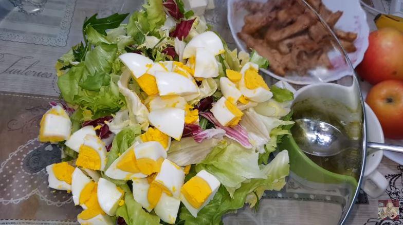Самый вкусный салат без майонеза. Фото и видео рецепт.