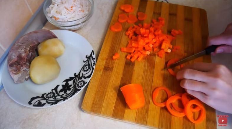 Вкуснейший салат с языком и ветчиной