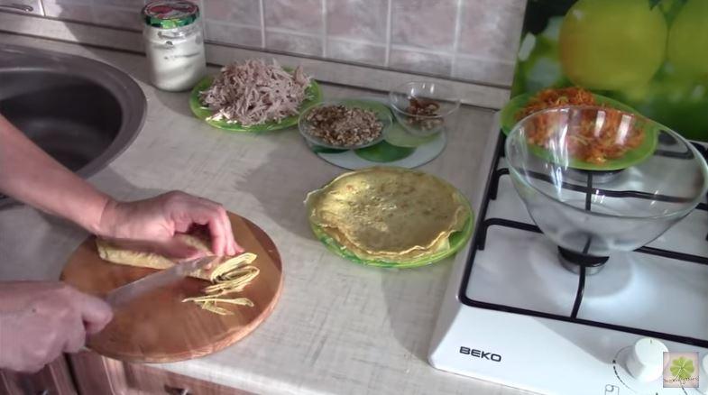 Салат из блинов. Очень вкусный рецепт с фото и видео.