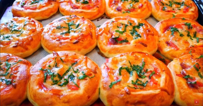 Быстрый рецепт порционных мини-пицц!