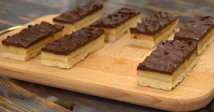 """Вкусное песочное печенье """"Твикс"""" по домашнему рецепту!"""