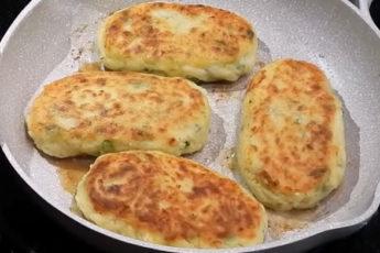 Вкусные и нежные картофельные биточки с зеленью и сыром!