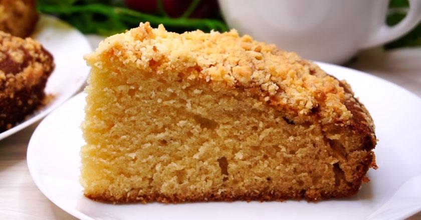 Вкусный пирог к чаю на кефире всего за 6 минут!