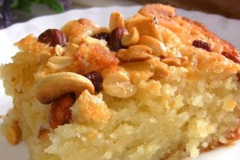 Арабский десерт - вкуснейший пирог на манке с орехами и цукатами!