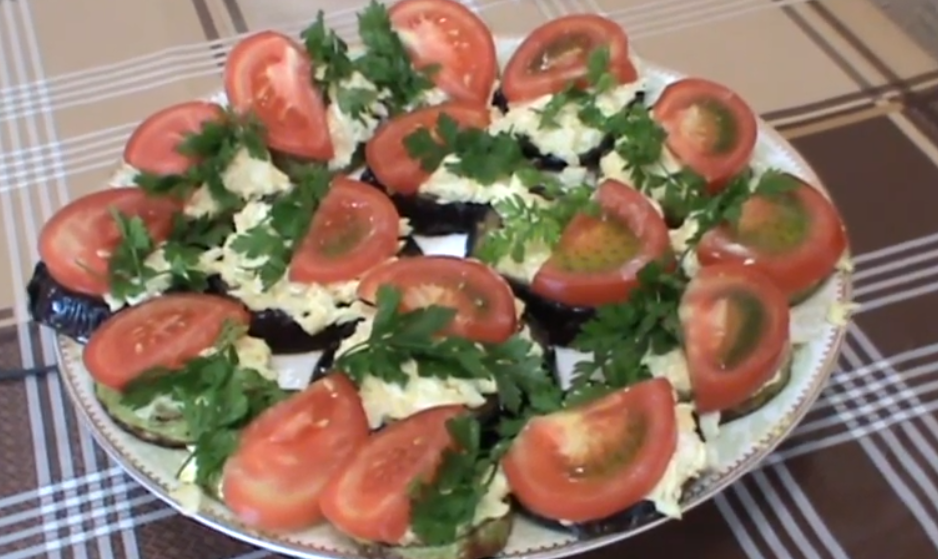 Превосходная закуска из баклажанов и кабачков с сырной начинкой!