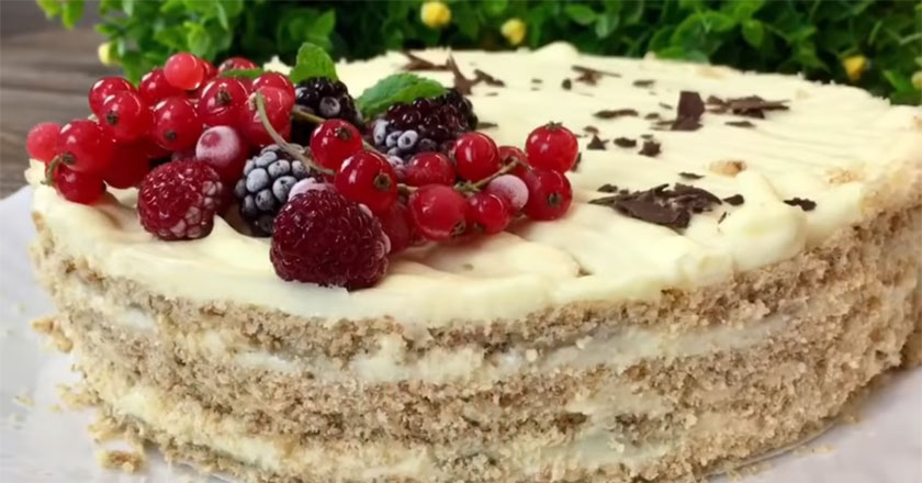 Вкусный, сладкий и нежный торт! Не возможно оторваться!