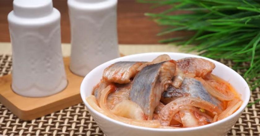 Вкусная и ароматная селедка по-корейски! Простой и быстрый рецепт!