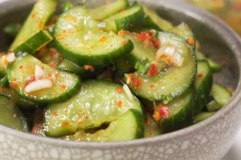 Острые огурцы по-корейски - супер простой рецепт!