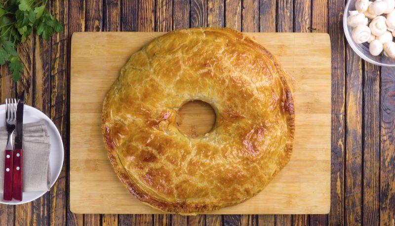 Готовим говядину в тесте Веллингтон: оригинальный рецепт из говяжьего филе.