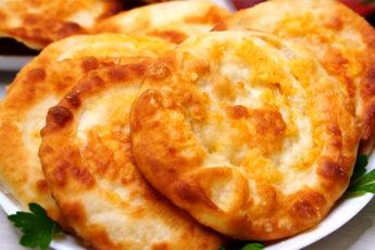 Сытные лепешки с сыром! Моментально съедаются!