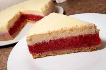 Клубничный торт на десерт! И выпекать коржи не нужно!