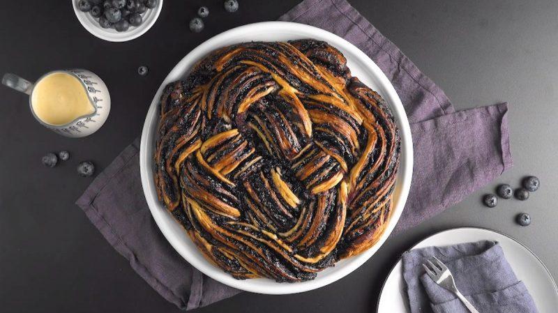 Простой, красивый и очень вкусный пирог Бабка с ягодной начинкой. Вкуснотища!