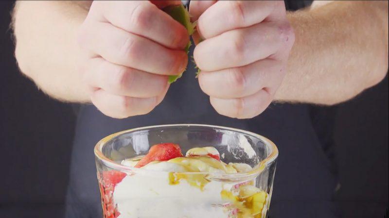 Красивые, освежающие и очень вкусные десерты из арбуза. Идеальное летнее угощение!