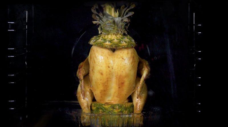 Запекаем целую курицу с фруктами и овощами: очень простые и вкусные рецепты.