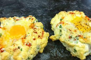 Оригинальный и вкусный завтрак из двух яиц!