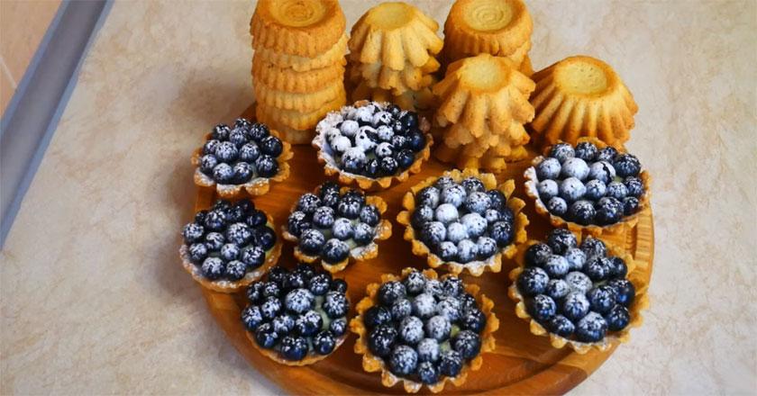 Любимое лакомство сладкоежек – корзиночки с заварным кремом!
