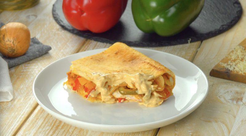 """Пирог """"Куриный фахитас"""" по-мексикански: простой, оригинальный и очень вкусный рецепт."""