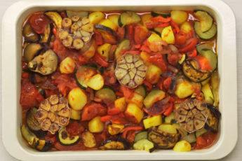 Полезное овощное блюдо - летний рецепт!