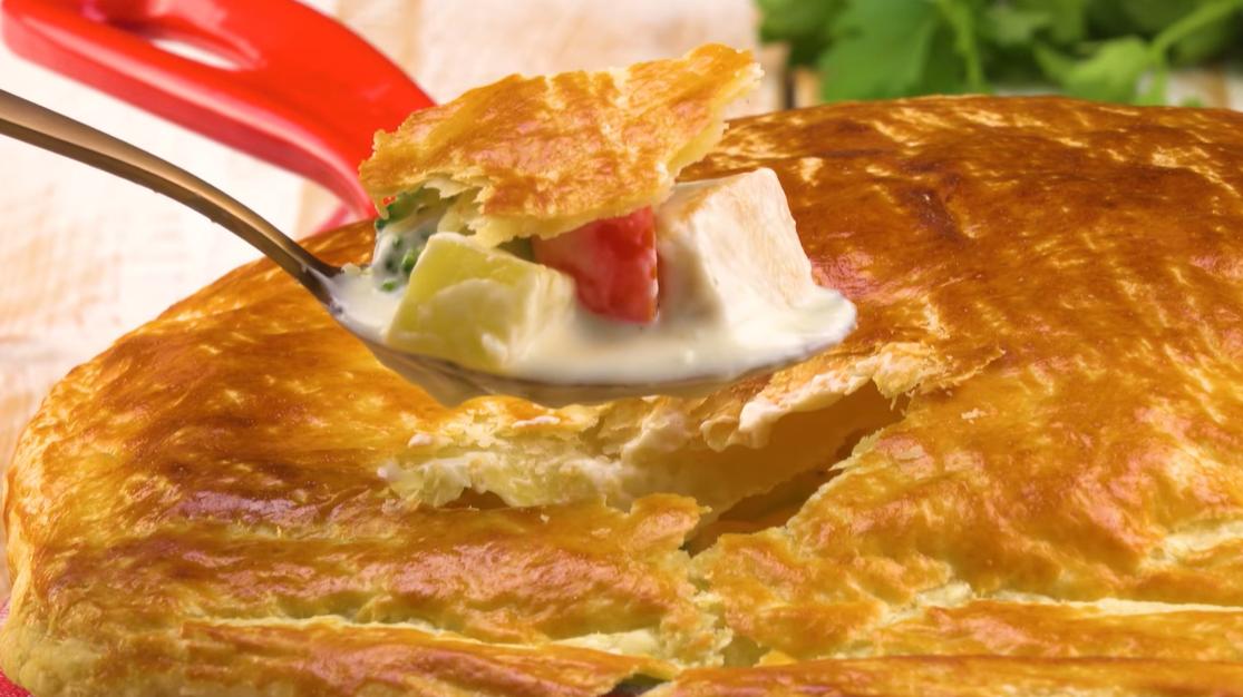 Куриный Альфредо в тесте - оригинальный и вкусный рецепт на каждый день.