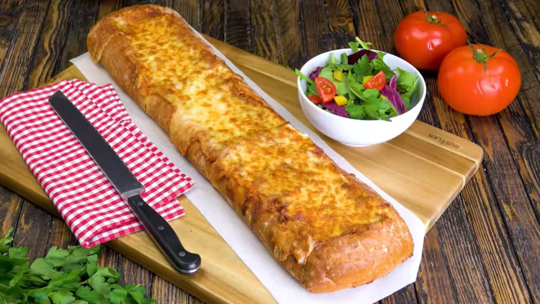 Лазанья в хлебе: классический рецепт в новой - необычной и вкусной - форме.