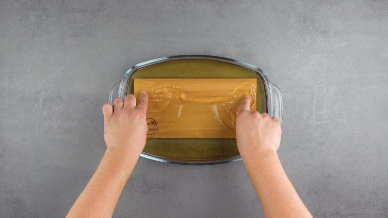 Ароматный мясной рулет с сырной начинкой: лучший рецепт из фарша на гриле.
