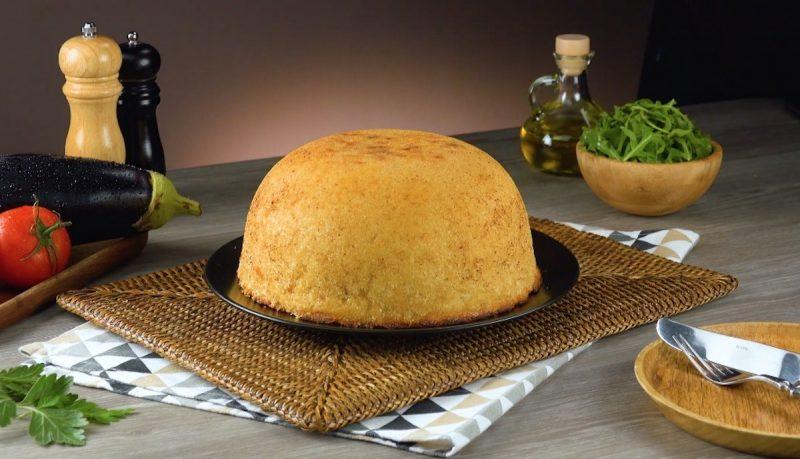 Вкуснейший пирог из риса с нежной начинкой. Потрясающий рецепт к ужину!
