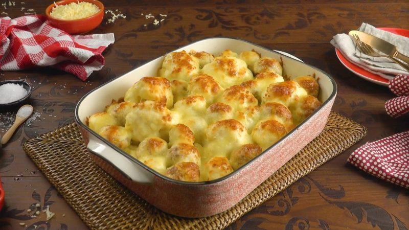 Запеканка из цветной капусты с картофелем и колбасками. Простой и очень вкусный рецепт!