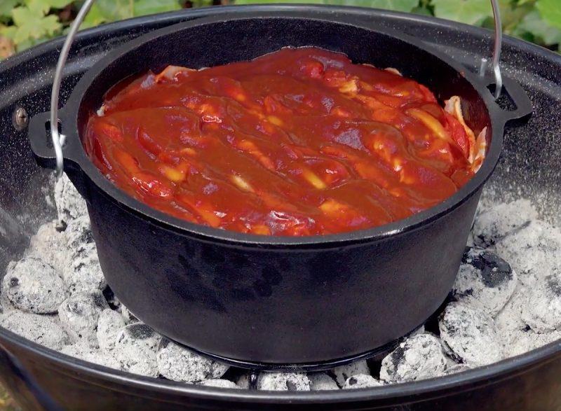 Нежнейшая свинина на углях. Простое и вкусное блюдо, за которым и следить не нужно.