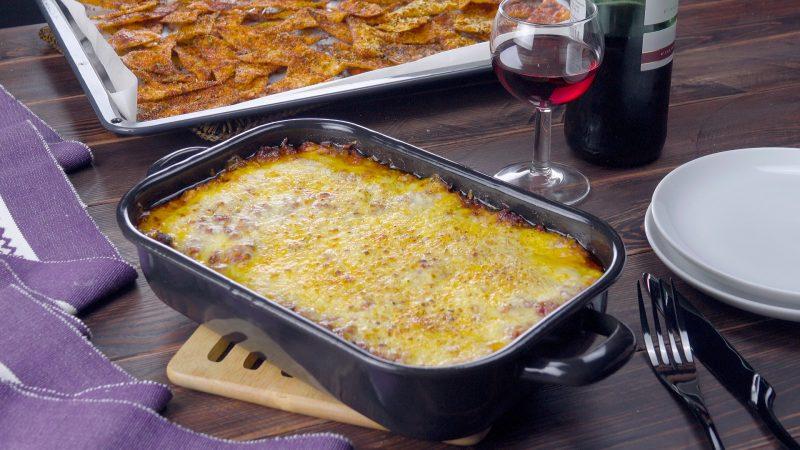 Лазанья без теста с чипсами начос: Самое праздничное блюдо из фарша.