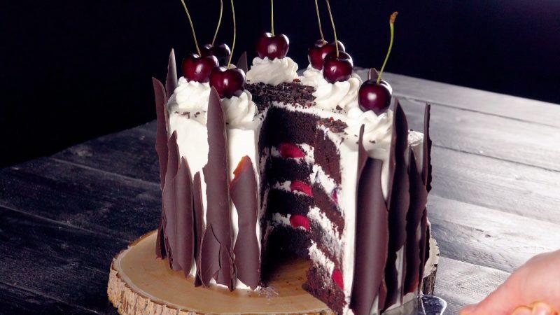 """Шварцвальдский вишневый торт """"Черный лес"""": знаменитый бисквитный десерт по-домашнему."""