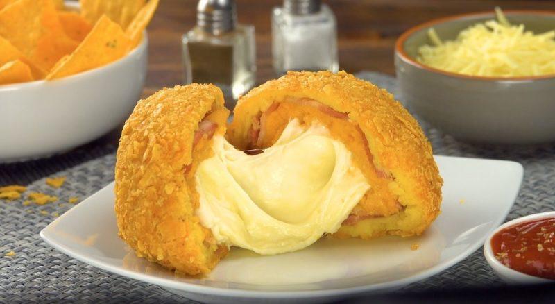 Картофель во фритюре с сырной начинкой: простой и оригинальный рецепт.