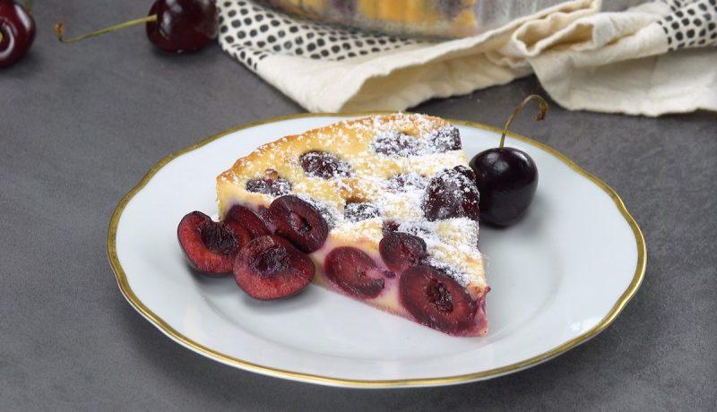 Вкуснейший заливной пирог с вишней: простой и очень вкусный рецепт понравится всем.