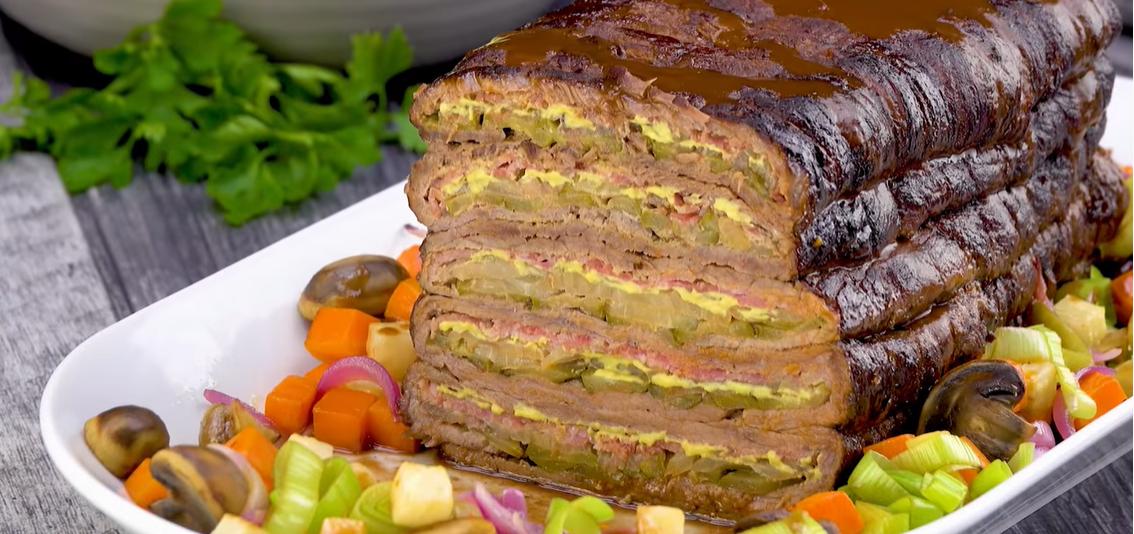Слоеный мясной хлеб из говядины - вкусный и сытный рецепт для семейного праздника.