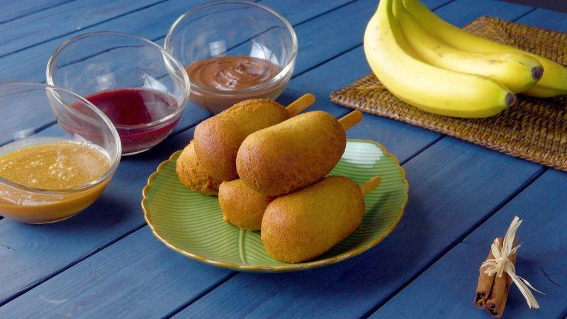 Банановый десерт на палочке: готовим печеные бананы в хрустящем кляре.