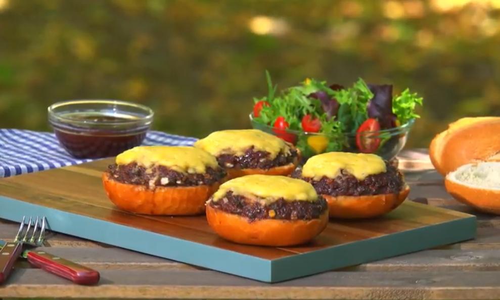 Жареные булочки с фаршем: вместо обычных шашлыков
