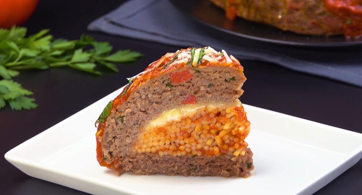 Мясной пирог Клопс с начинкой - отличный рецепт для большого застолья.