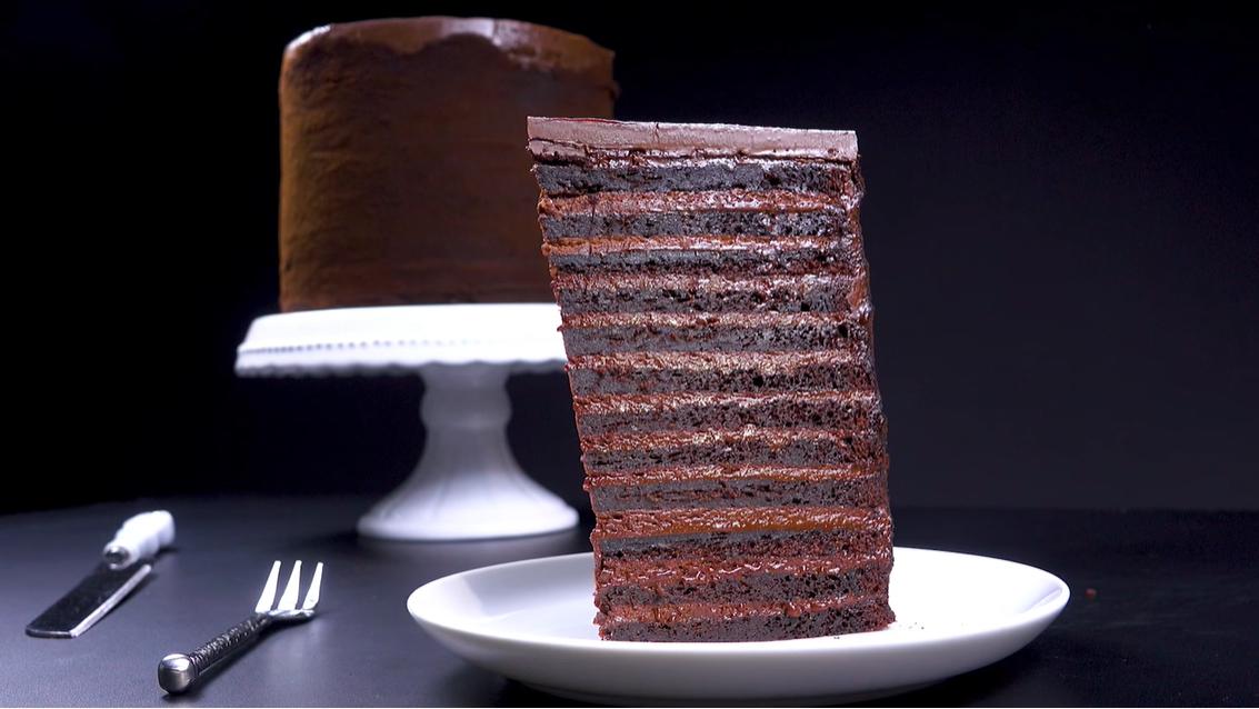 Шоколадный десерт в 24 слоя - знаменитый торт Нью-Йоркер. Вкус - выше всех похвал!