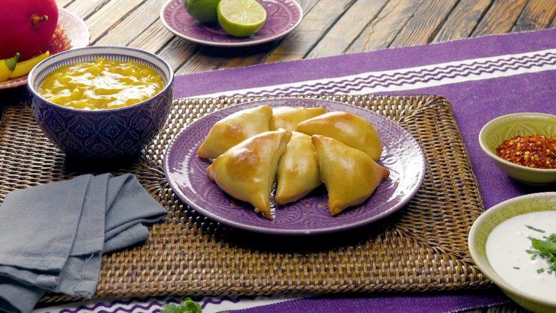 Экзотический ужин в индийском стиле: самоса.