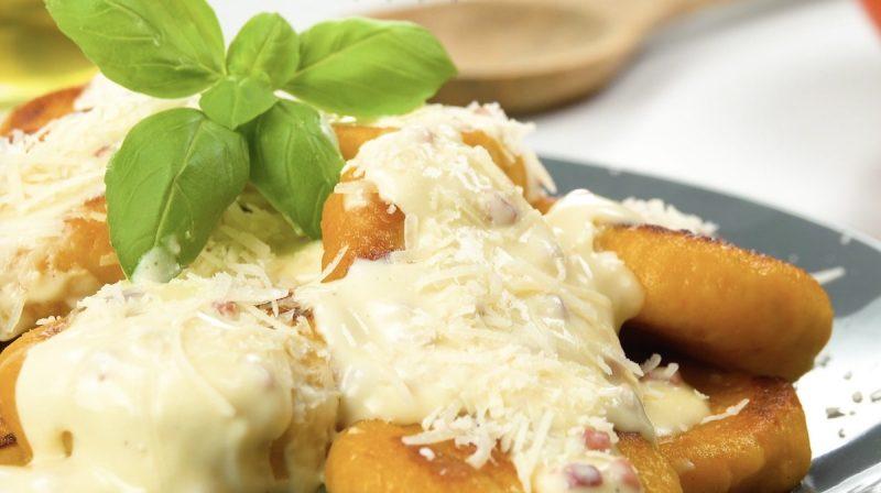 Тыквенные ньокки в сливочном соусе: простое и очень вкусное осеннее угощение.