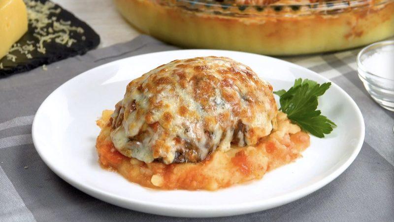 Простая и сытная запеканка из баклажанов с мясом и картофелем. Потрясающий рецепт!