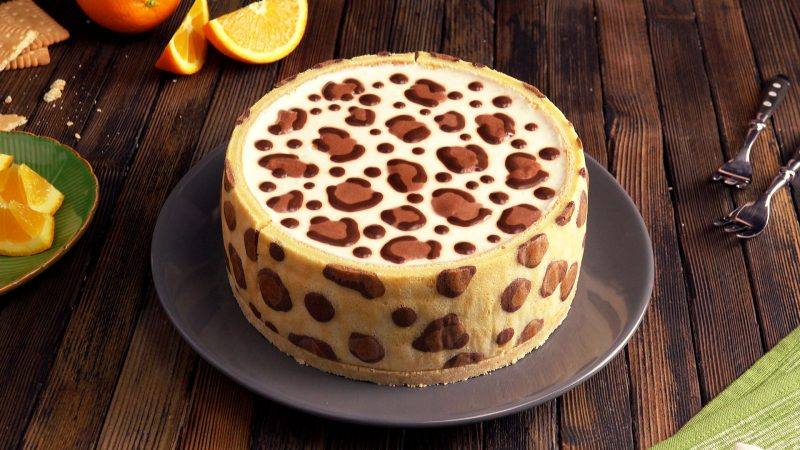 Леопардовый торт: вкуснейший чизкейк с бисквитной основой и роскошным узором.
