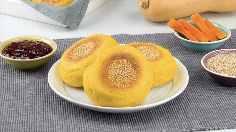 Нежные и ароматные булочки из тыквы: очень вкусная выпечка, в которую влюбятся все.