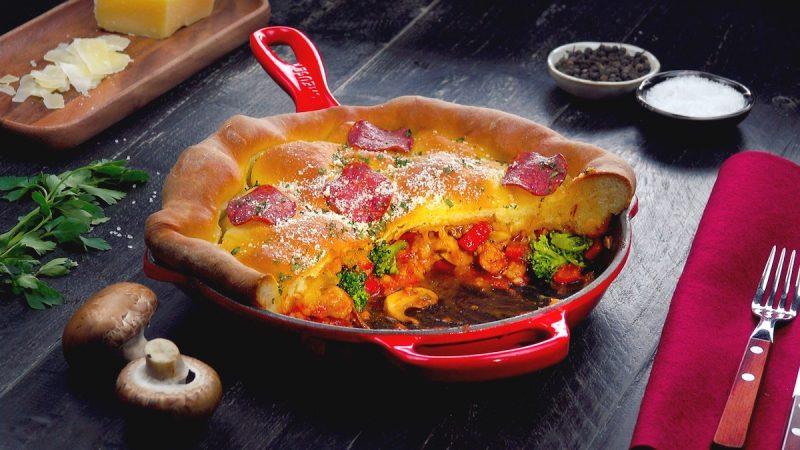 Пирог наоборот с мясом и брокколи: красивый, простой и очень вкусный рецепт к ужину.