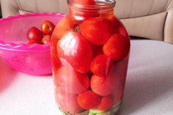 Консервированные помидоры - рецепт, проверенный годами