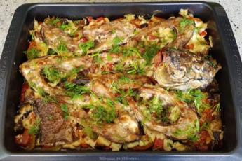 Потрясающе вкусная рыба с овощами