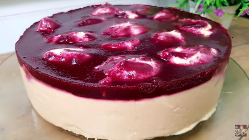 Яркий аппетитный творожный торт