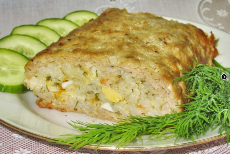 Ароматный мясной рулет с яйцом и рисом – беспроигрышный вариант для ужина и на праздник