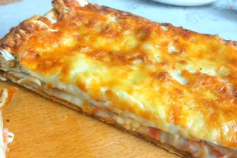 Скоростная «не совсем пицца» из лаваша: нравится всем, не требует никаких усилий и готова через 15 минут