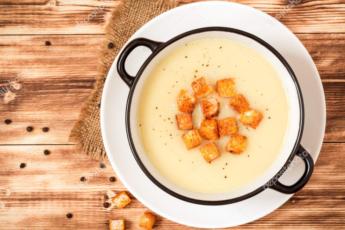 Суп из жареной картошки – это не шутка. Скорей всего, вы никогда его не варили, а получается очень вкусно и необычно.